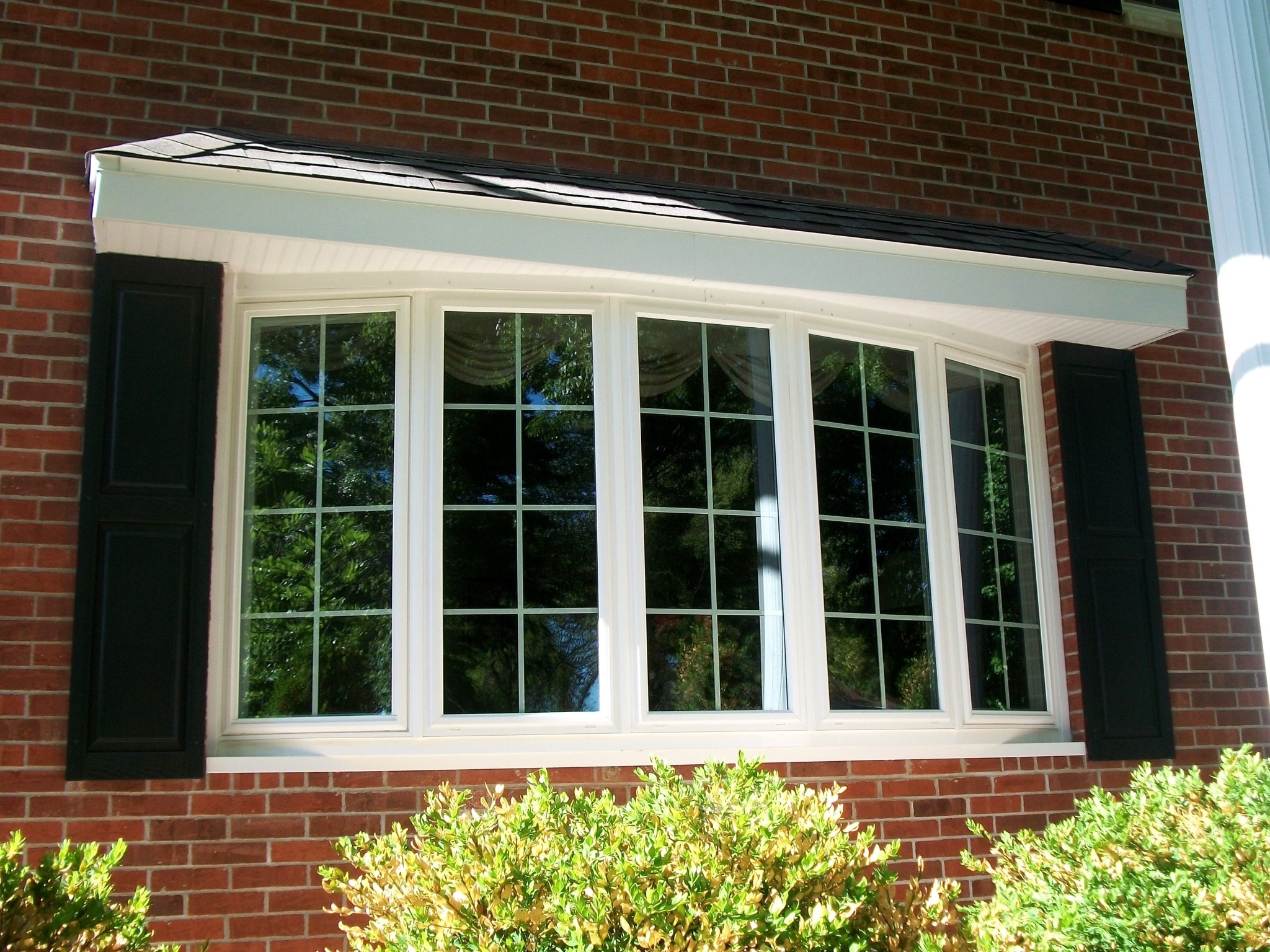 difference between bay and bow windows bow windows have