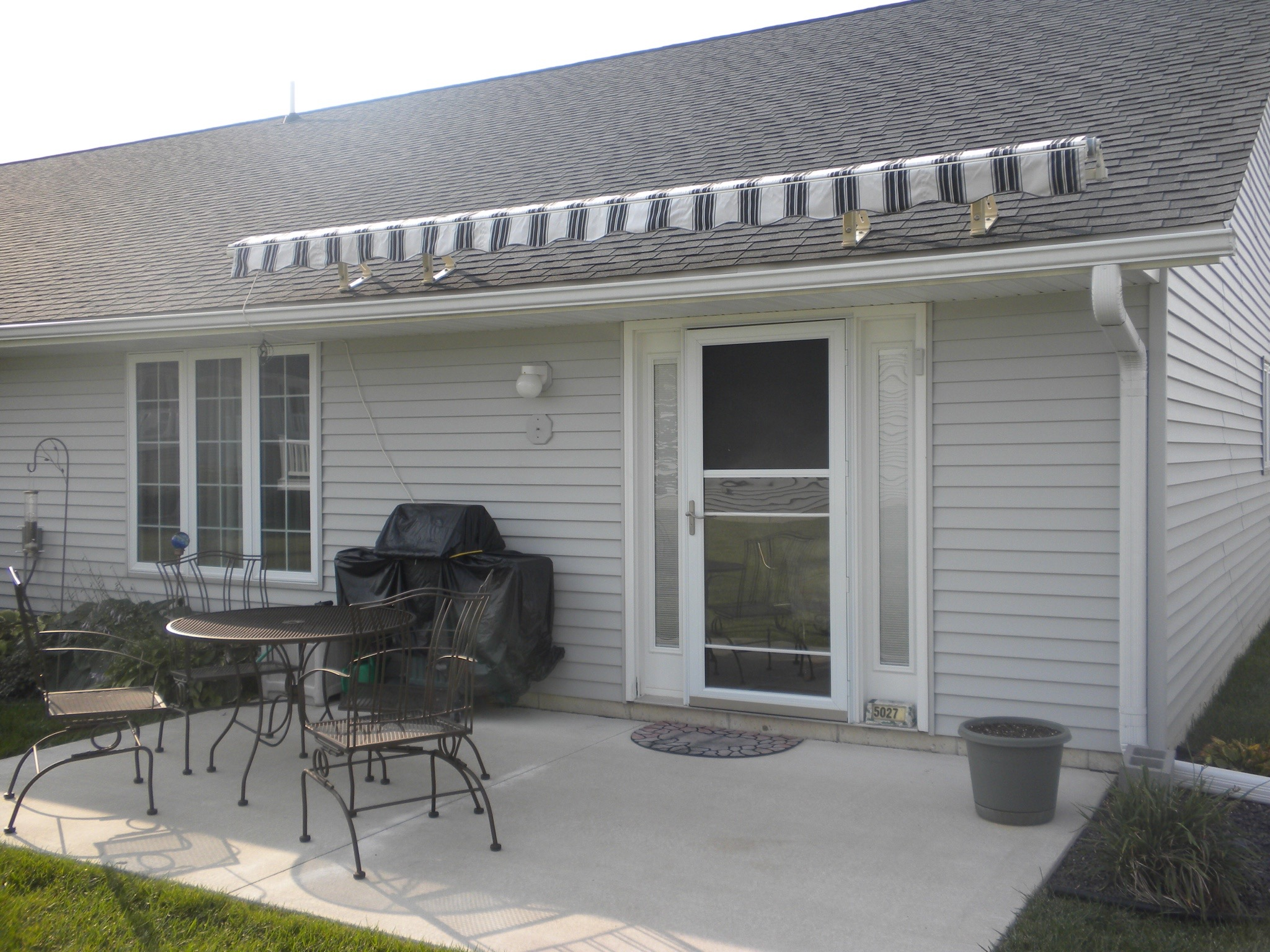 Sunsetter Awnings - Quincy IL | Doors N More